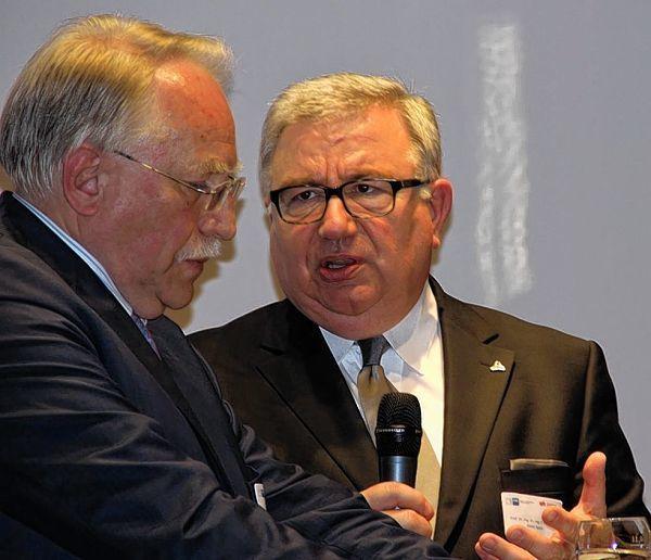 <b>Harald Unkelbach</b> (links), Präsident der IHK Heilbronn-Franken, ... - image