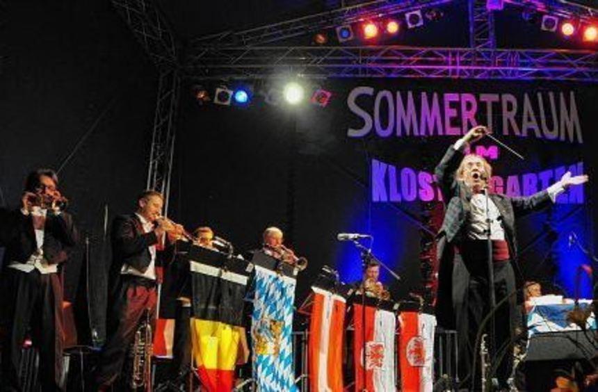 """Bob Ross begeisterte mit """"Blechschaden"""" am Samstag beim """"Sommertraum im Klostergarten"""" in ..."""