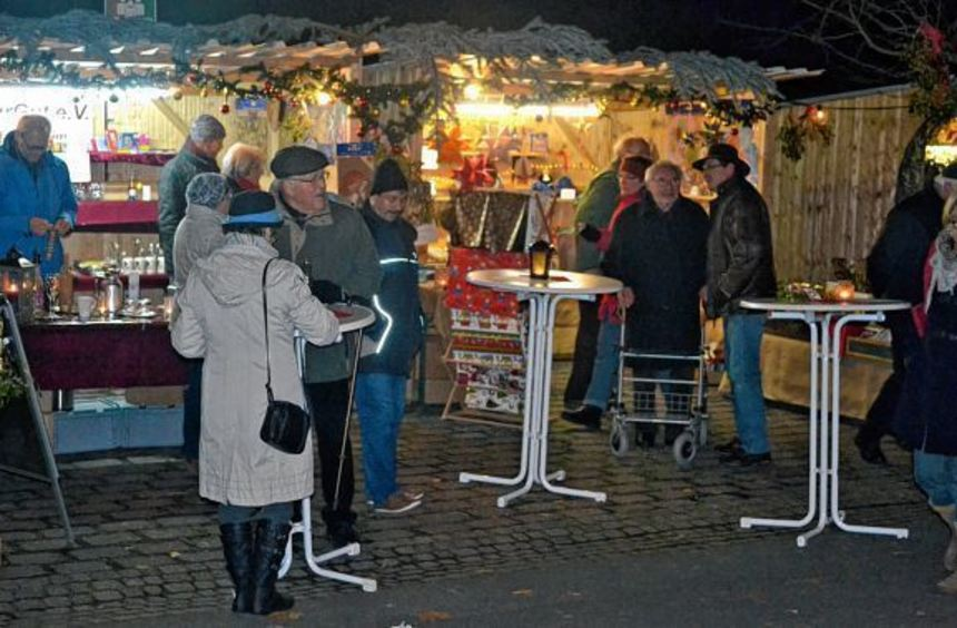 Der Dauerregen blieb nicht ohne Auswirkung: Während der Gerlachsheimer Adventszauber am Samstag den ...
