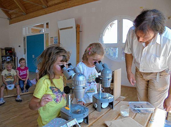 Erziehung mit mikroskop und roboter jüdische allgemeine