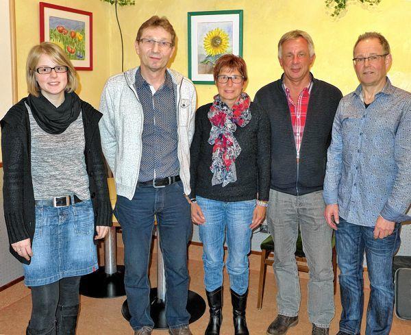 Bei der Jahreshauptversammlung des Tennisklubs zeichnete Vorsitzender Wolfgang Nohe mehrere Mitglieder für ihre langjährige Treue aus.