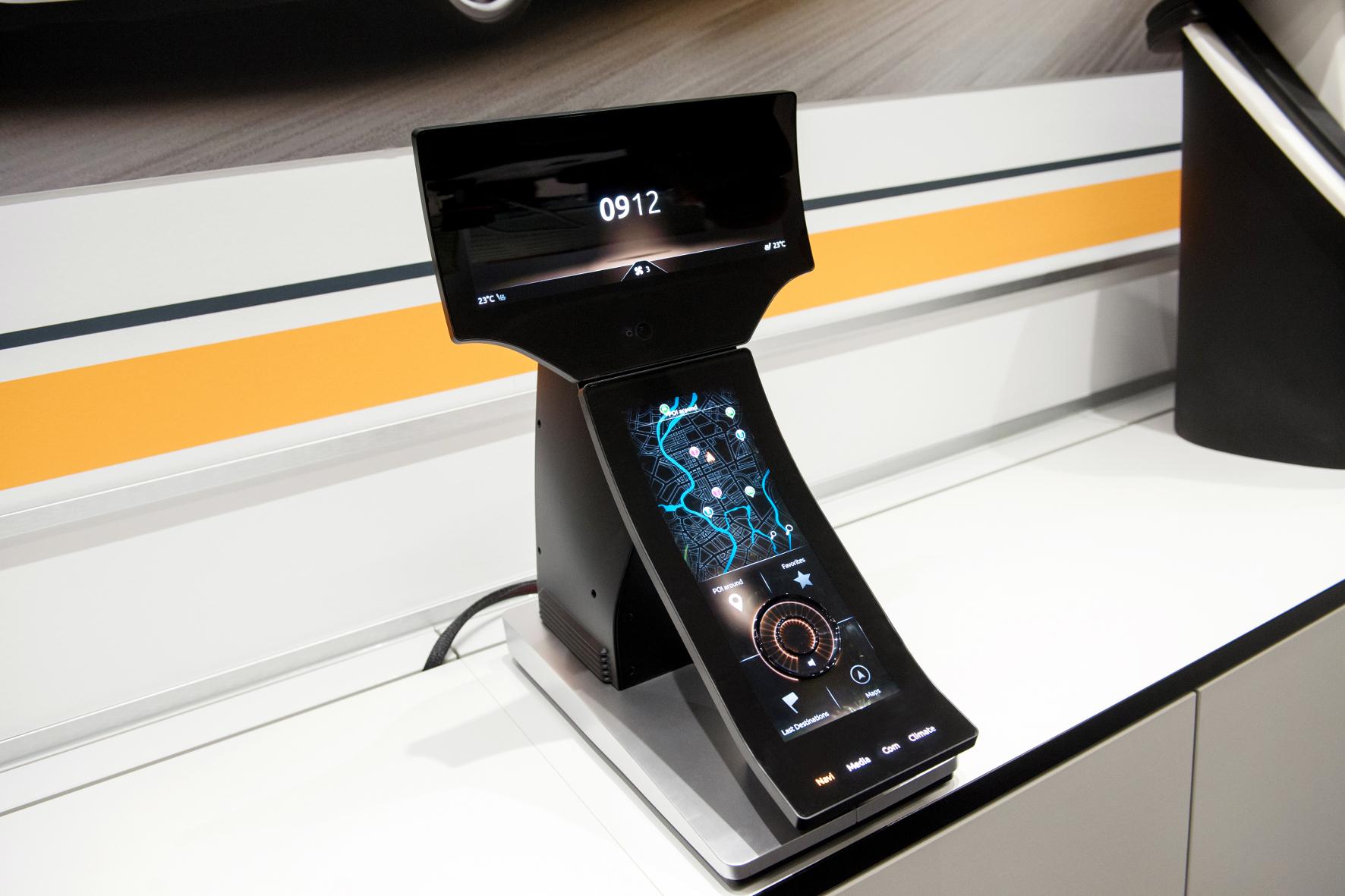 mid Groß-Gerau - Mittelkonsole mit Touchscreen und haptischen Rückmeldungen.