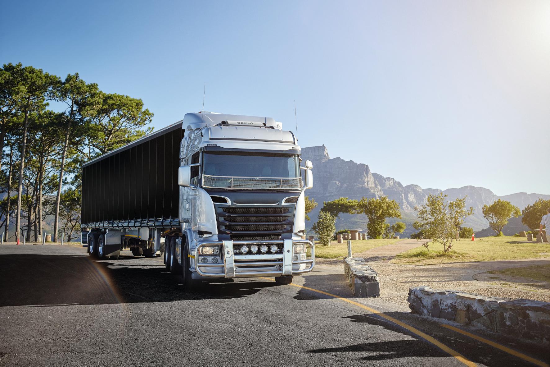 """mid Groß-Gerau - Dometic hat seine neuen """"CoolAir RTX""""-Klimaanlagen unter härtesten Bedingungen in der Praxis getestet, unter anderem im australischen Outback."""