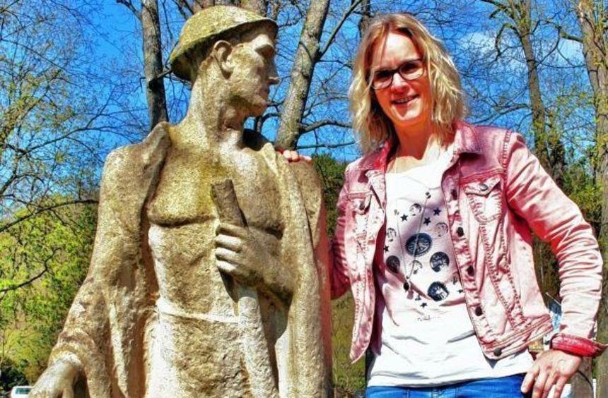 Eine folgenreiche Begegnung: Als Kristina Biere das erste Mal auf dieses Denkmal im Kurpark traf, ...