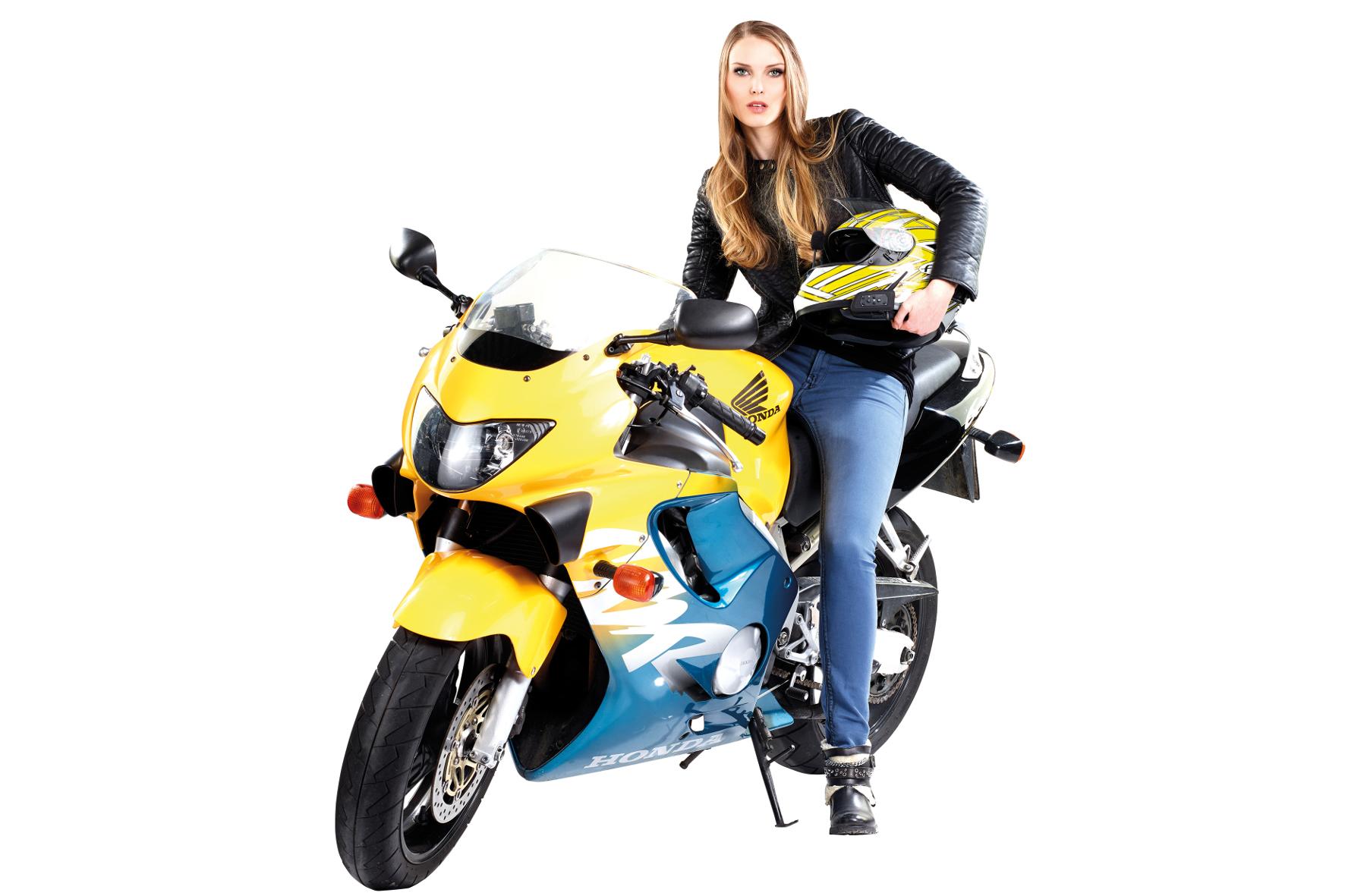mid Groß-Gerau - Ein attraktives Angebot für Motorradfahrer: Helme mit Bluetooth-Funktion erleichtern die Kommunikation auf dem Bike.