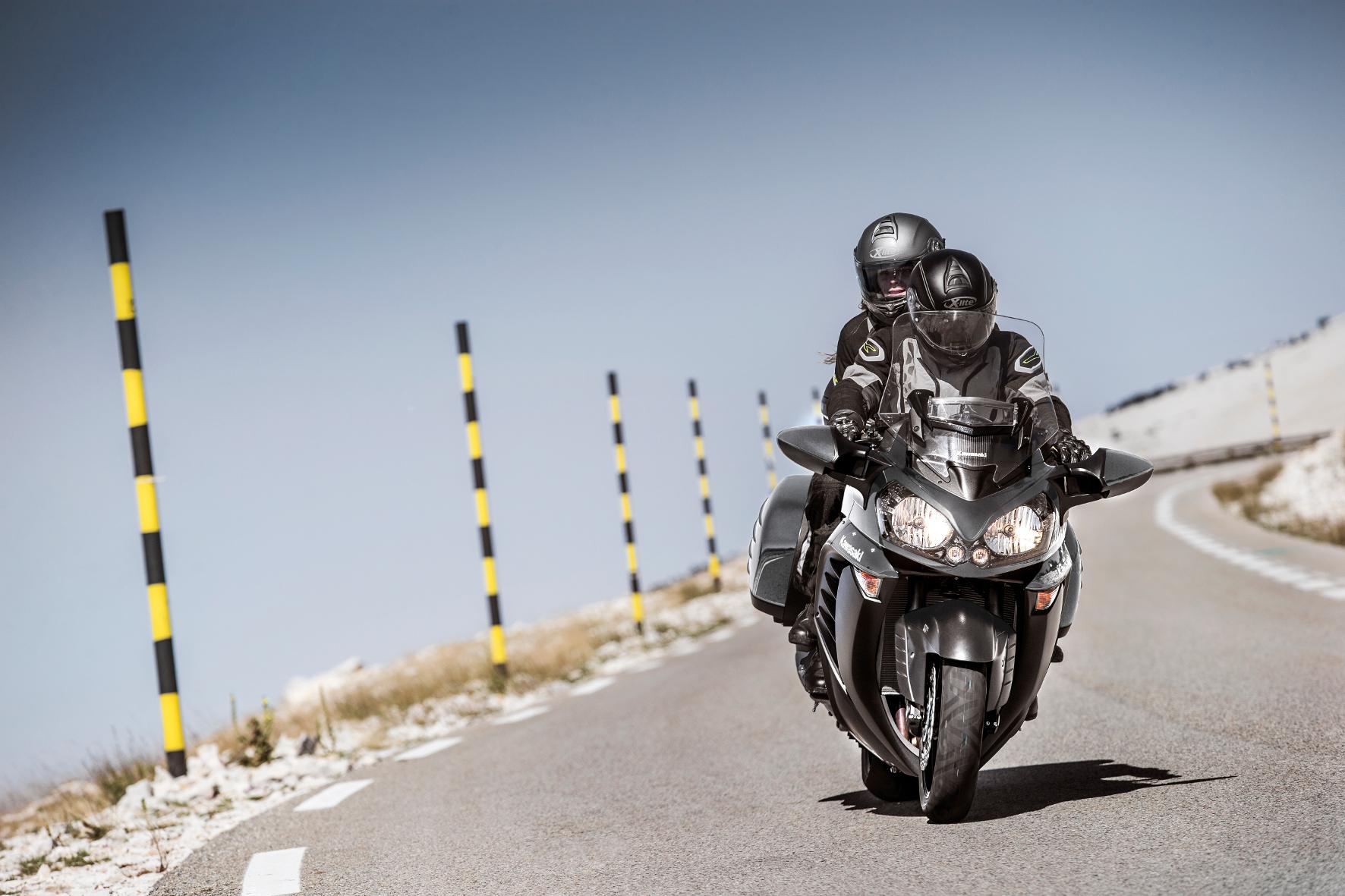 mid Groß-Gerau - Mächtiger Tourer für die große Ausfahrt: die Kawasaki 1400 GTR.