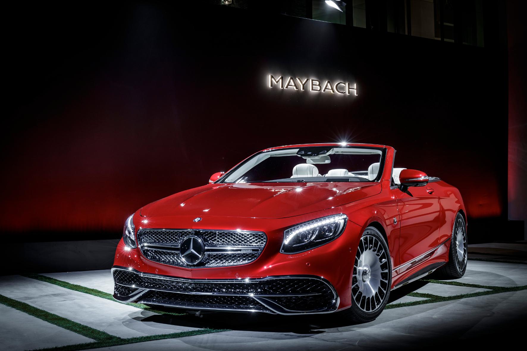 mid Los Angeles - Ganz großes Kino: Das Mercedes-Maybach S 650 Cabriolet ist streng limitiert. 300 Einheiten zum Stückpreis von 300.000 Euro - zuzüglich der landesüblichen Steuern - sollen entstehen.