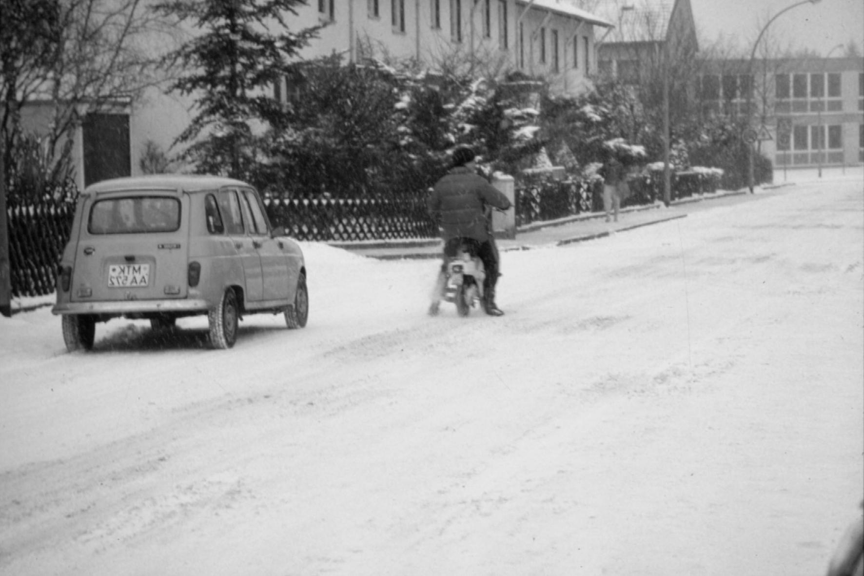 mid Groß-Gerau - Bremsen auf Schnee war schon immer eine Herausforderung, vor allem in den Zeiten ohne ABS. Die mid-Zeitreise führt zurück ins Jahr 1966..