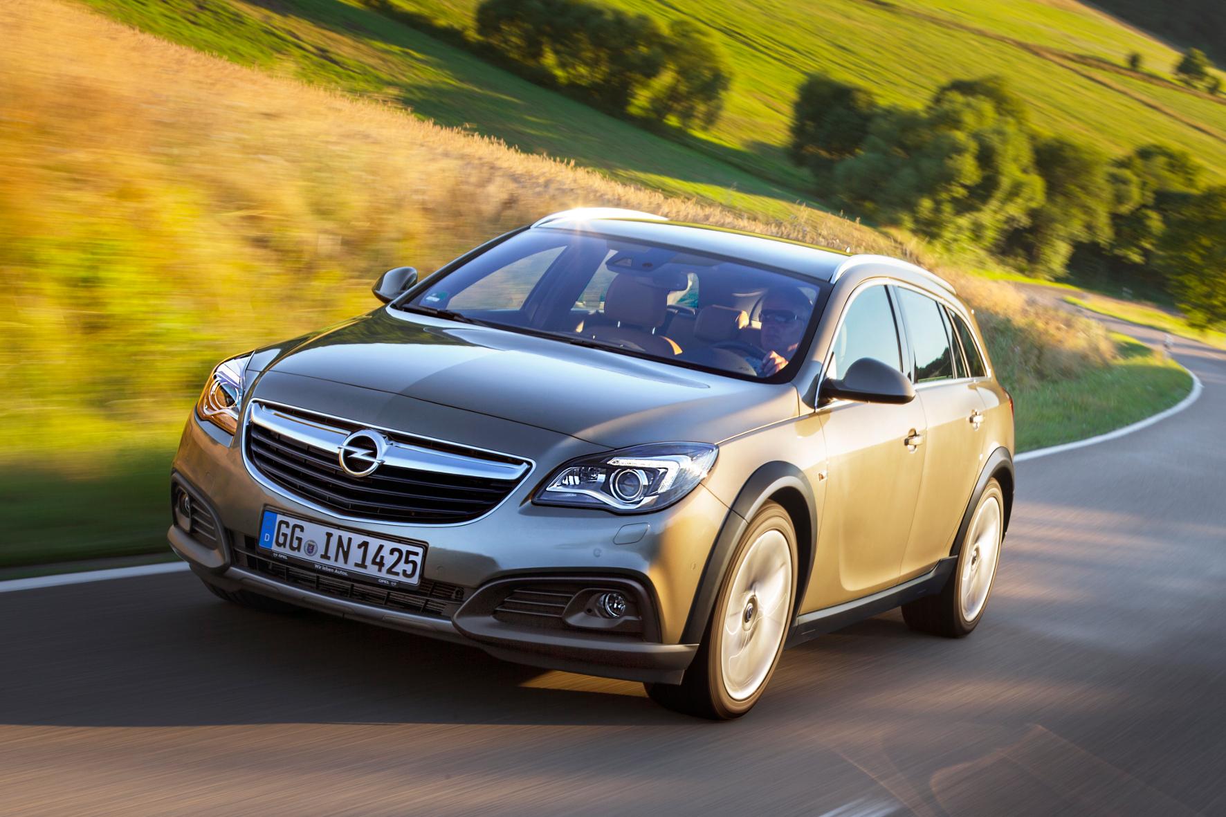 """mid Groß-Gerau - Business-Klasse aus dem Hessischen: der Opel Insignia in der robusten Ausführung """"Country Tourer""""."""