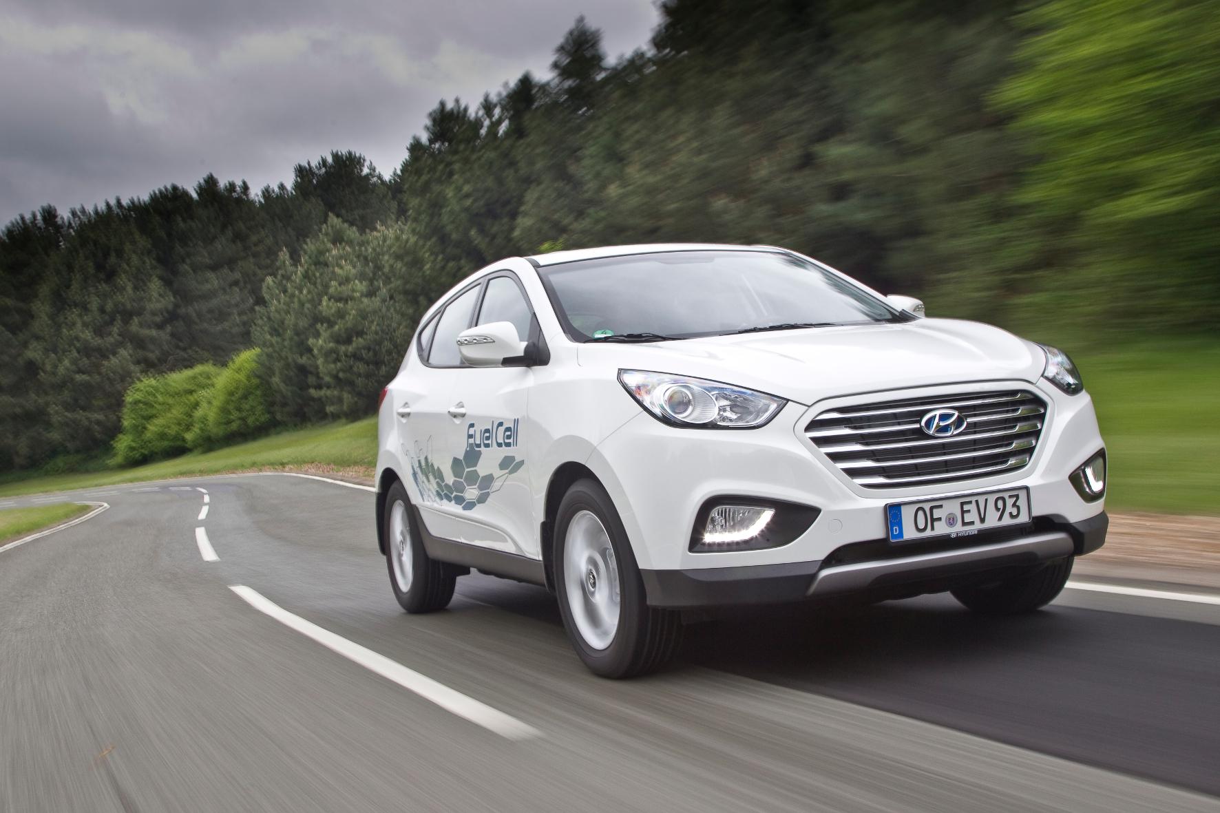 mid Groß-Gerau - Emissionsfrei auf die Langstrecke: Mit dem Hyundai ix35 Fuel Cell ist das schon heute kein Problem.