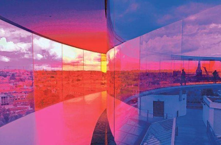 """Die Lichtinstallation """"Your Rainbow Panorama"""" von Olafur Eliasson ist eine Sehenswürdigkeit von ..."""