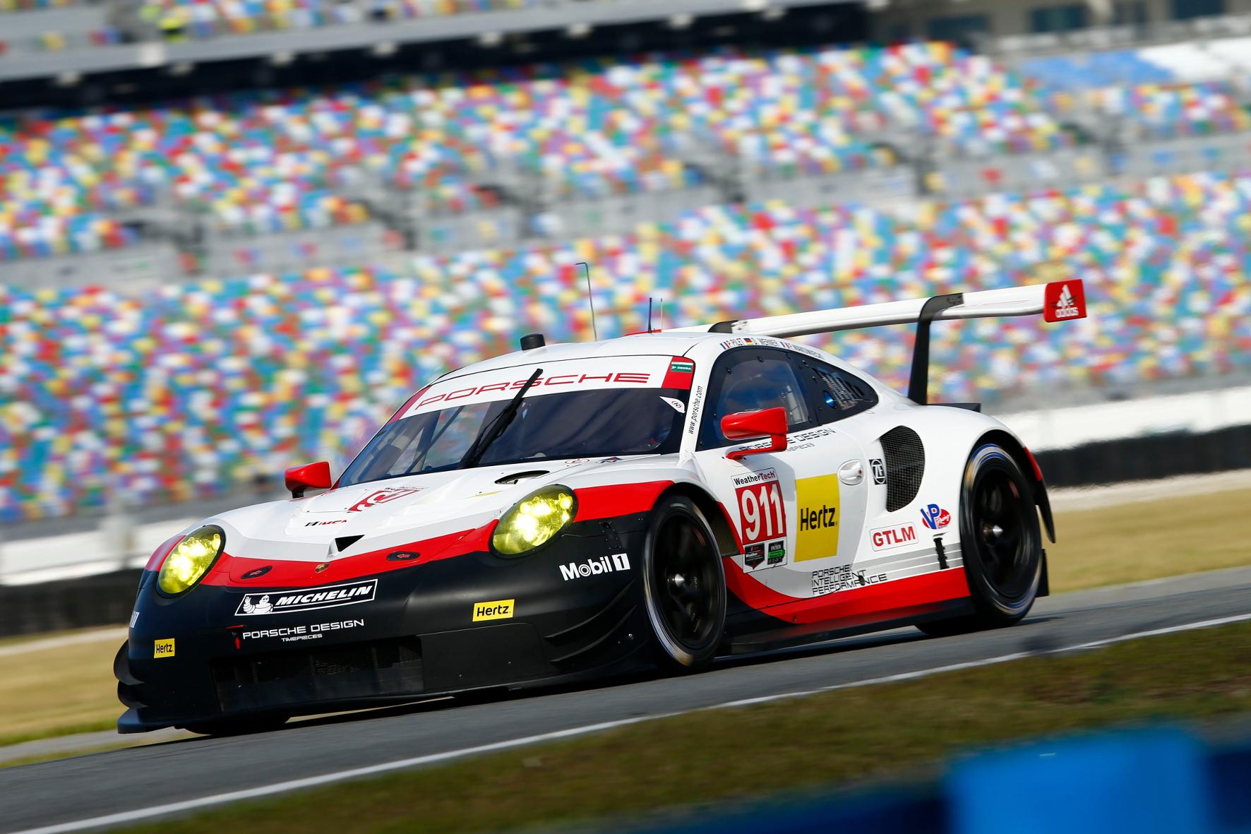 mid Groß-Gerau - Porsche hat den 911 RSR für die Motorsport-Saison 2017 komplett neu entwickelt.