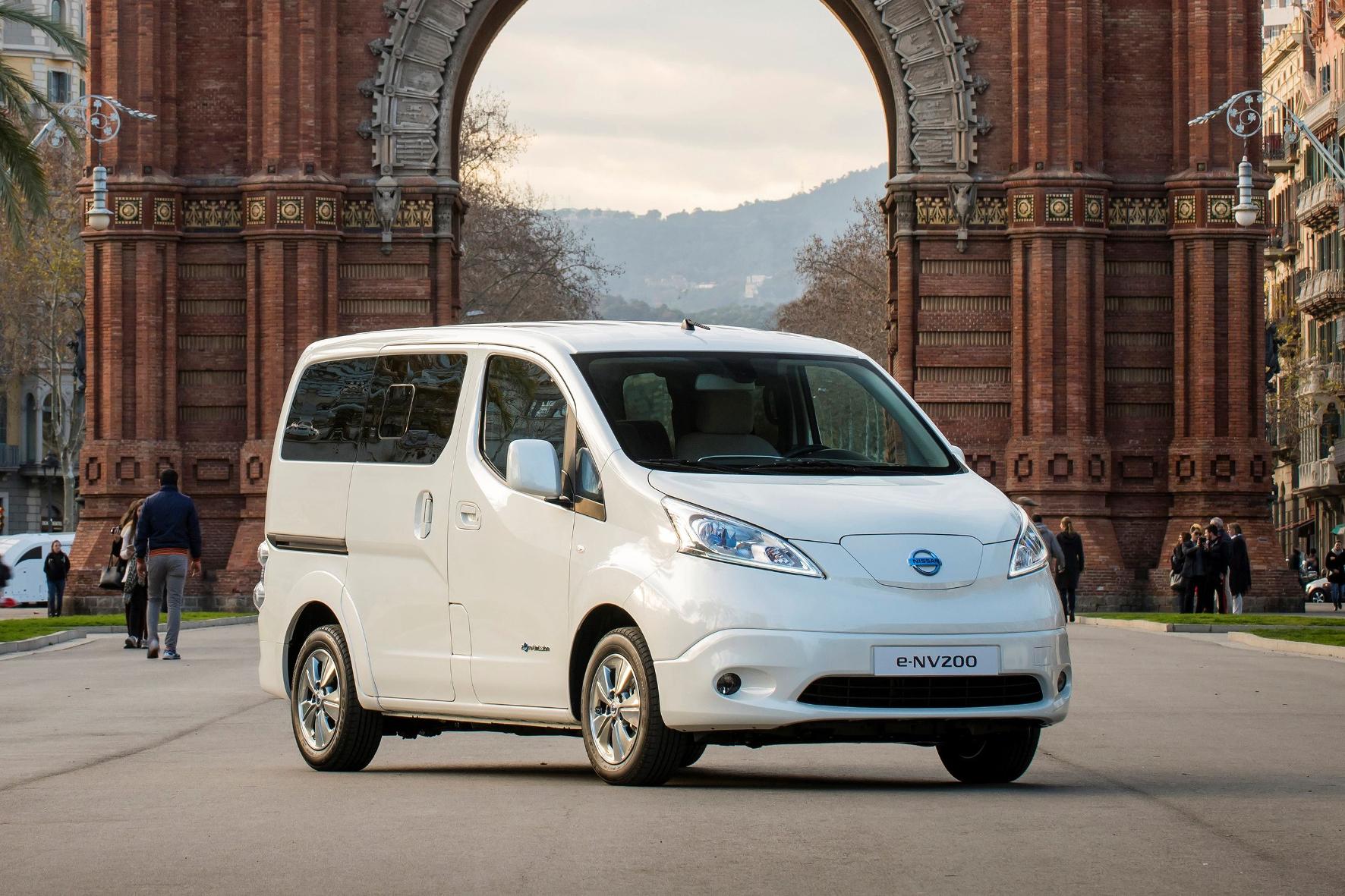 mid Groß-Gerau - Kantiger Stromer: An der Front zeigt der Nissan e-NV200 eine deutliche Ähnlichkeit mit dem Antriebstechnik-Spender Leaf.