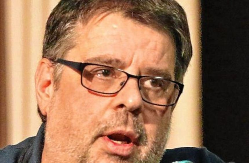Hartmut Megerle nach der Abstimmung bei seinen Ausführungen zur laufenden Saison.