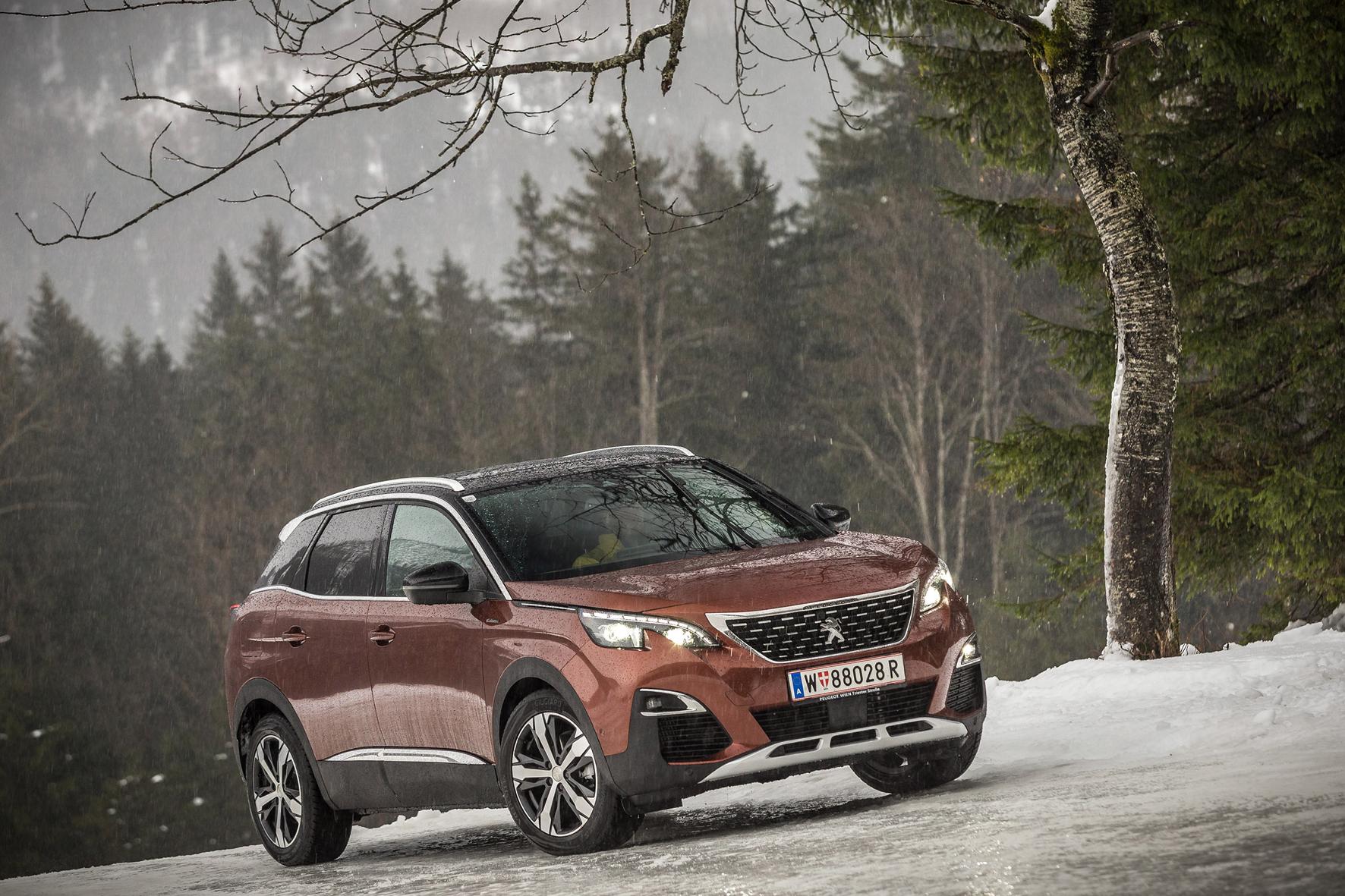 mid Hintersee - Ein SUV ohne zumindest optionalen Allradantrieb? Das funktioniert, denkt sich Peugeot und setzt beim neuen frontangetriebenen 3008 auf eine Zwischenlösung.