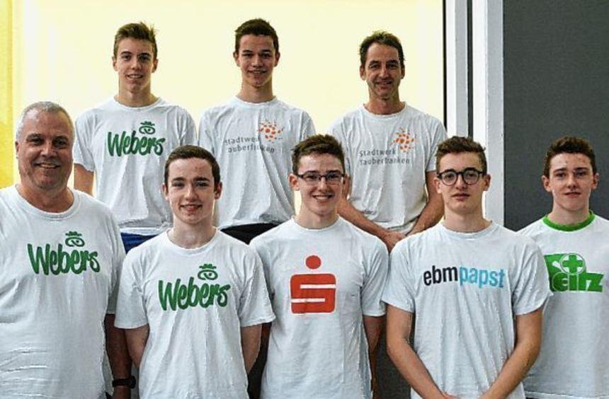 Starke Leistung in Ludwigsburg: Das Bad Mergentheimer Team mit (von links) Trainer Olaf Schulze, ...