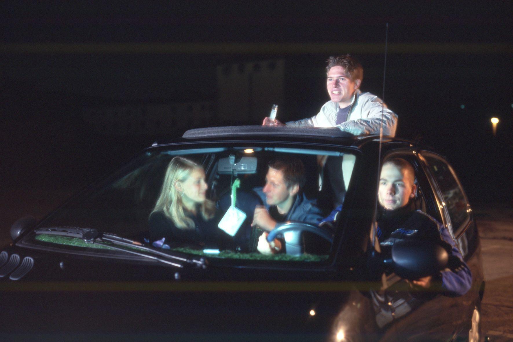 mid Groß-Gerau - Beifahrer sind bei einem Unfall mitverantwortlich, wenn sie bei einem betrunkenen Fahrer einsteigen.