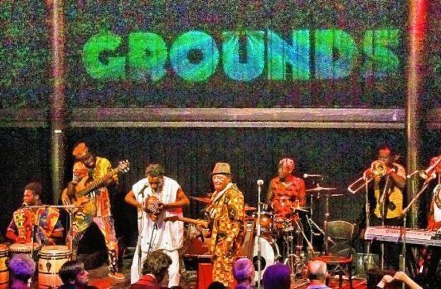 Geboren 1936, ist Ebo Taylor einer der prägenden Musiker der ghanaischen Szene. Und das seit über ...