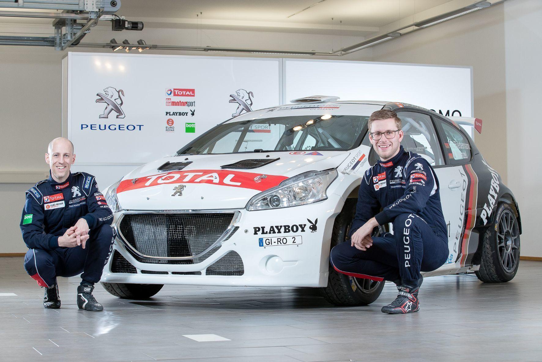 mid Grevenbroich - Christian Riedemann (rechts) und sein Co-Pilot Michael Wenzel wollen nach der Vizemeisterschaft 2016 nun endlich ganz oben aufs Siegertreppchen.