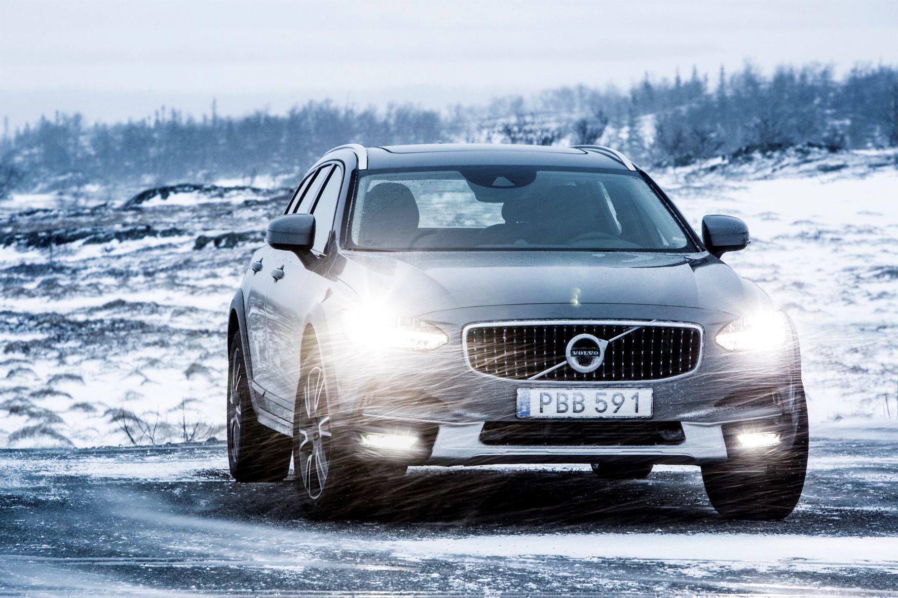 mid Groß-Gerau - Der neue Volvo V90 Cross Country ist der jüngste geländegängige Kombi im Modellprogramm der Schweden. Das Konzept aber gibt es bereits seit 1997.