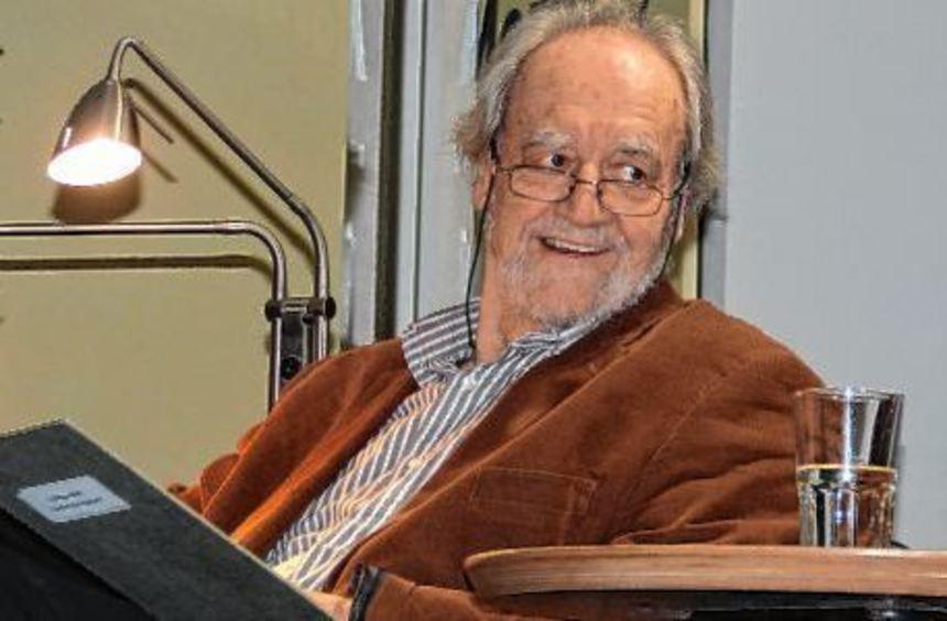 Felix Huby nahm die Zuhörer bei seiner Lesung in Bad Mergentheim mit auf eine Zeitreise in die ...