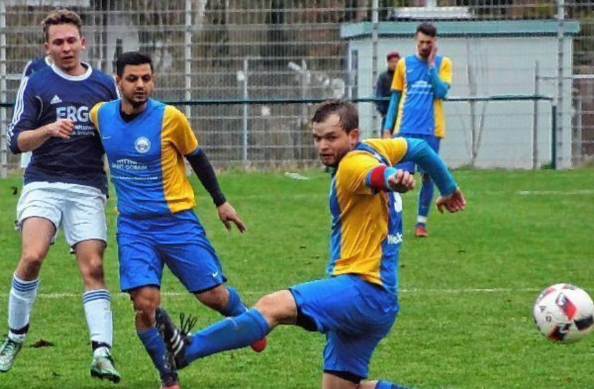 Dank des 3:0-Heimerfolges über die SV Viktoria Wertheim II hat der SV Dertingen in der Tabelle der ...