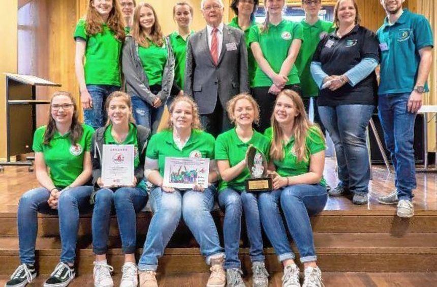 Mit großem Erfolg nahmen die Schulsanitäter des Burghardt-Gymnasiums aus Buchen am ...
