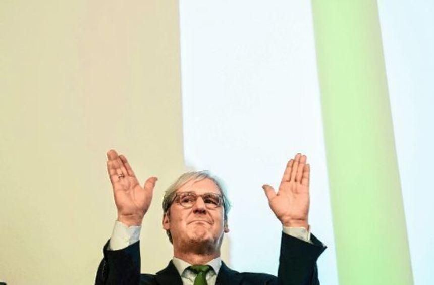 Oberbürgermeister Jochen Partsch (Grüne) steht am Sonntag in Darmstadt auf der Bühne.