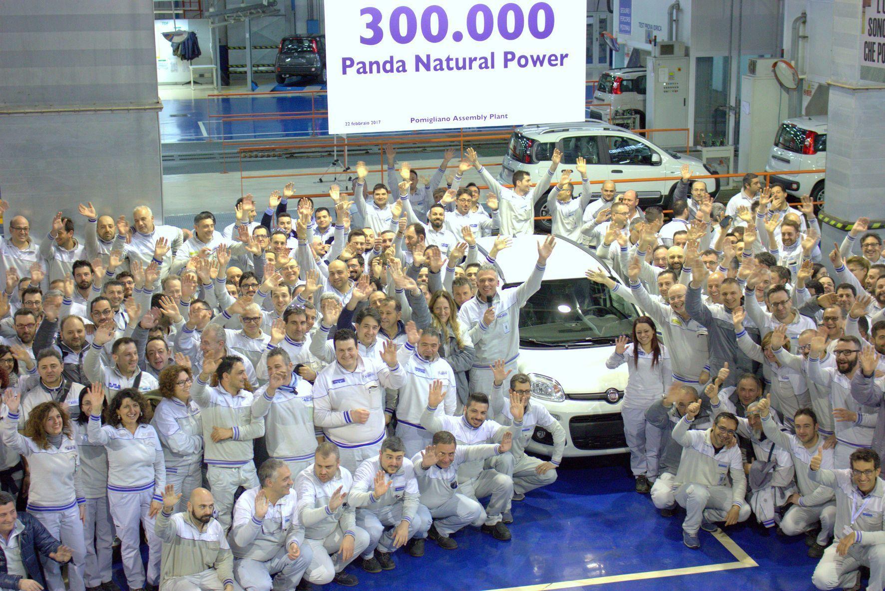 mid Groß-Gerau - Im Fiat-Werk G. Vico di Pomigliano d'Arco nahe Neapel ist kürzlich der 300.000ste Panda mit bivalentem Erdgas-Antrieb vom Band gerollt.