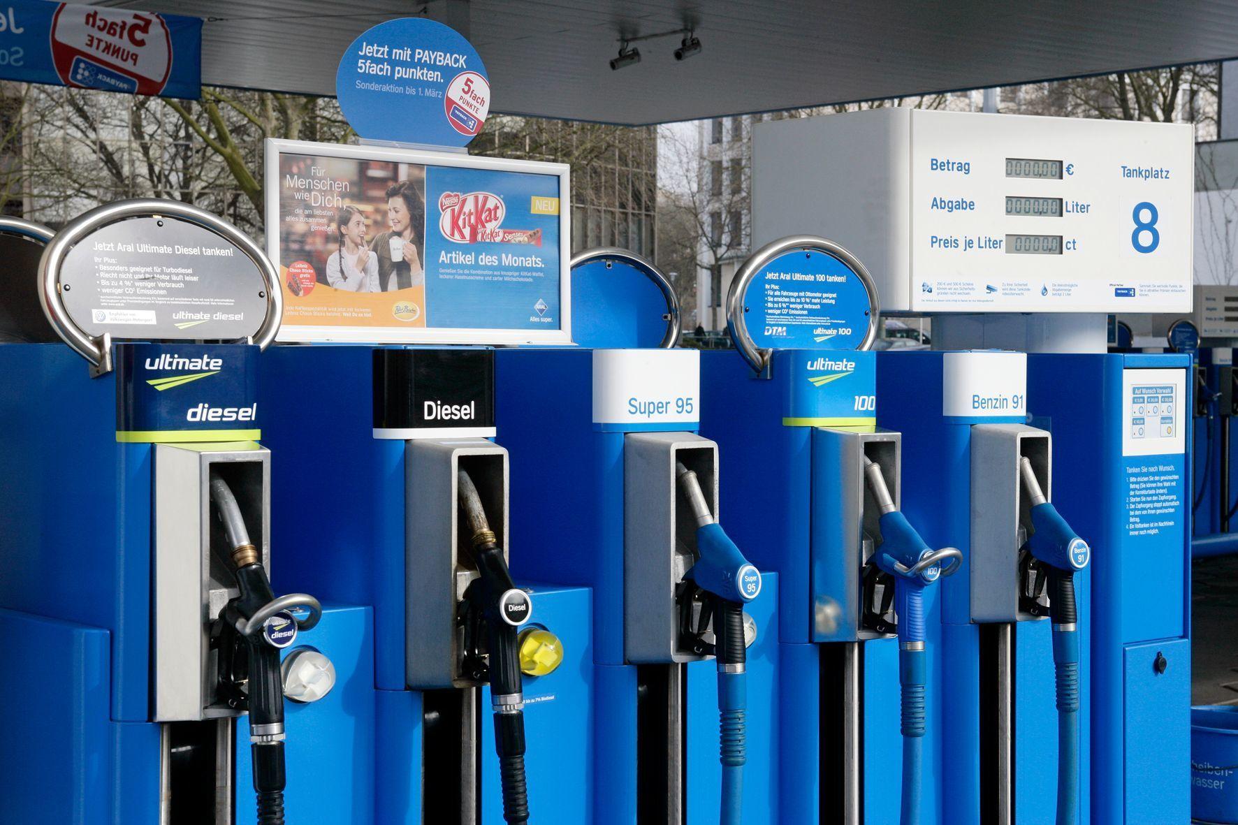 mid Groß-Gerau - Autofahrer nutzen die Tagesschwankungen bei Kraftstoffpreisen dank Vergleichsmöglichkeiten durch die Markttransparenzstelle mittlerweile zu ihrem Vorteil.