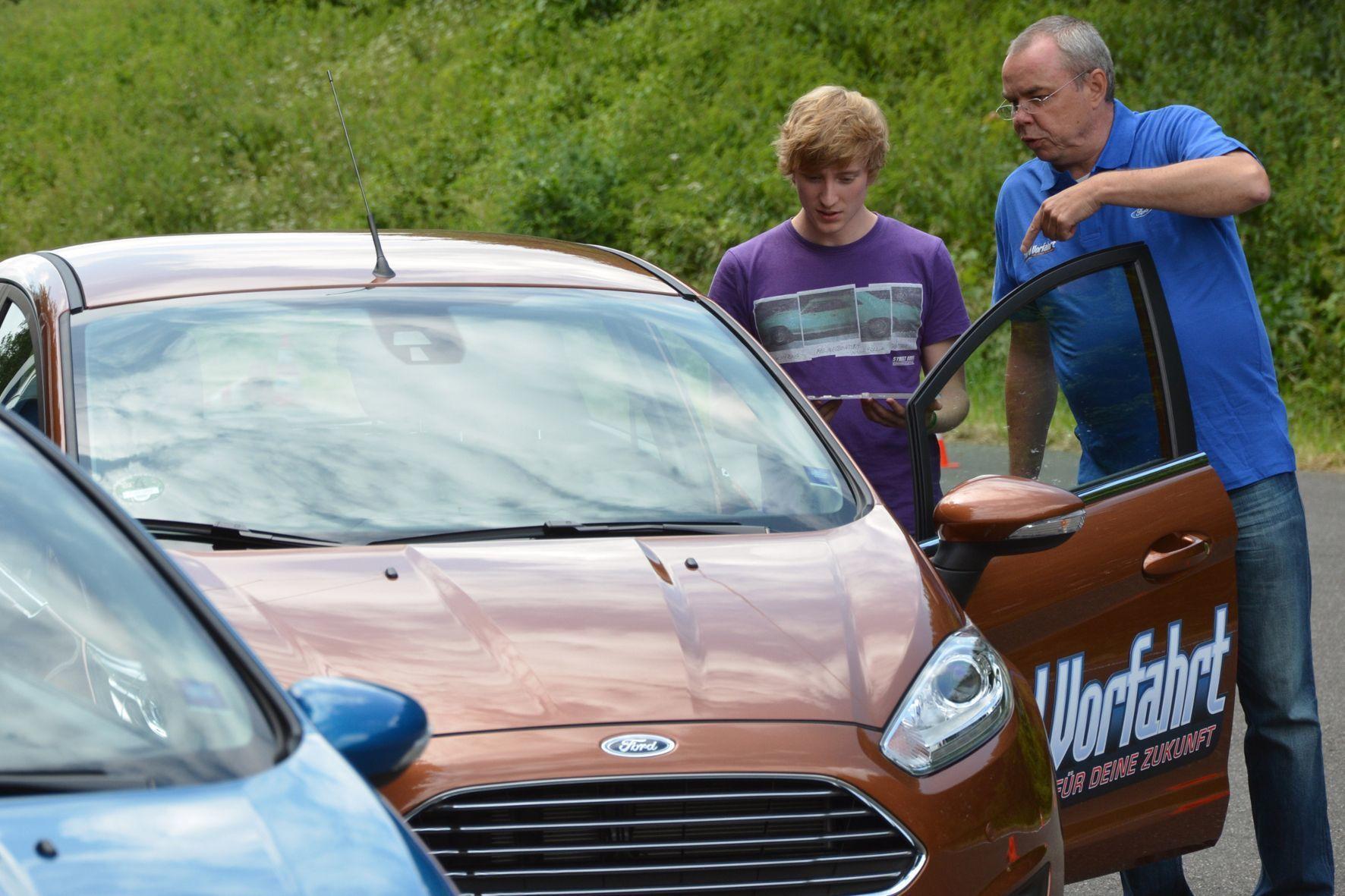 """mid Groß-Gerau - Seit 2013 bietet Ford kostenlos das Training """"Vorfahrt für Deine Zukunft"""" in Zusammenarbeit mit dem Deutschen Verkehrssicherheitsrat an."""