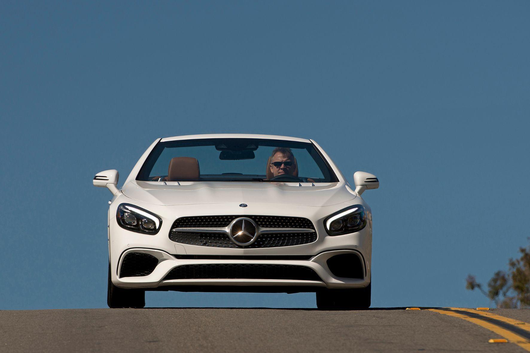 mid Groß-Gerau - Cabrio-Fahrer wechseln ihren Wagen statistisch besonders häufig.