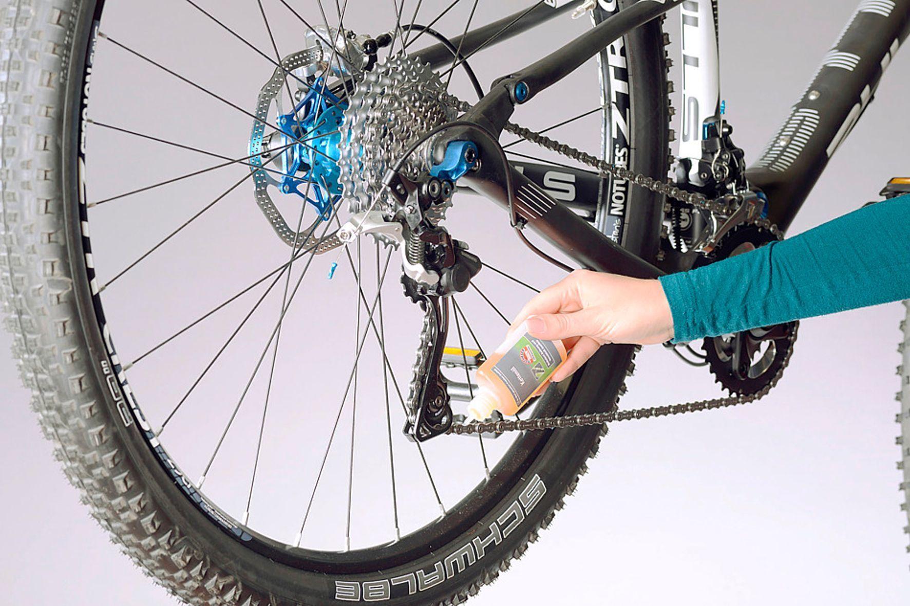 mid Groß-Gerau - Die GTÜ hat 15 Schmiermittel für Fahrradketten intensiv getestet.
