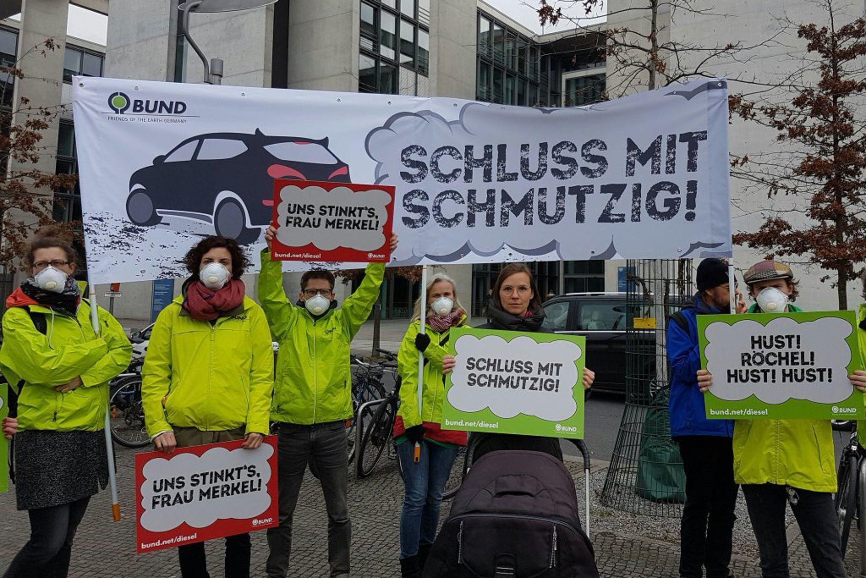 mid Groß-Gerau - Der Bund für Umwelt und Naturschutz Deutschland (BUND) fordert einen Verkaufsstopp von Diesel-Neuwagen, die den Stickoxid-Grenzwert überschreiten.