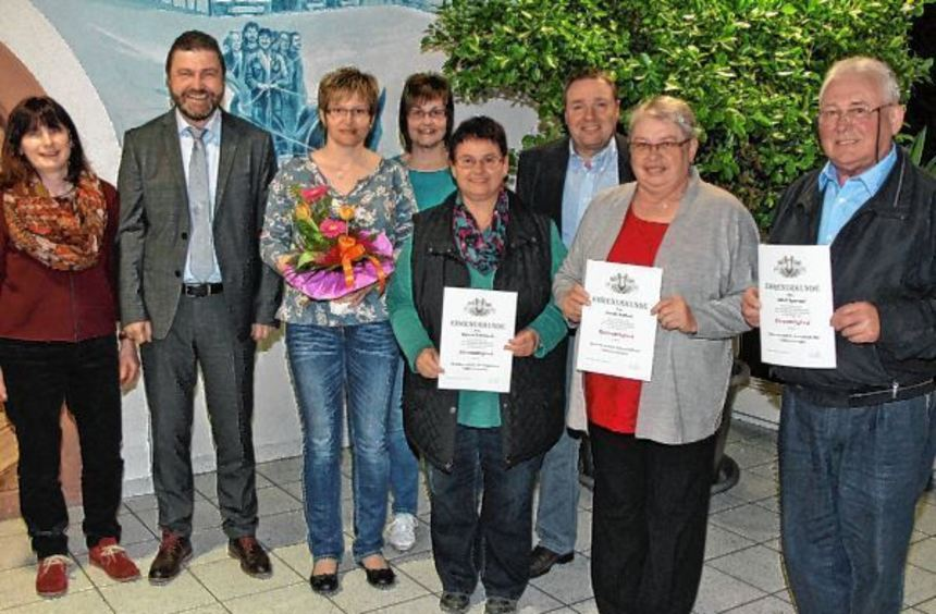"""Ehrungen gab es bei der Generalversammlung des Gesangvereins """"Sängerbund"""" Hirschlanden. Das Bild ..."""