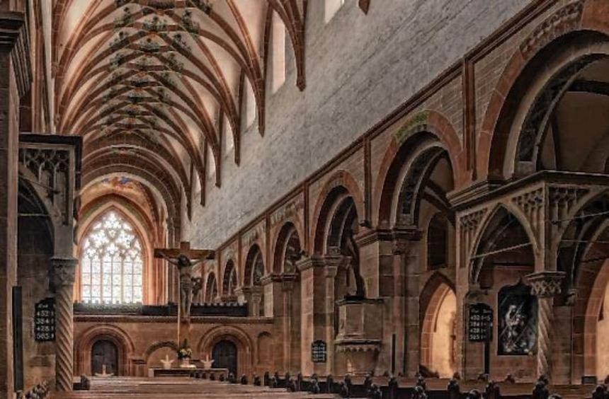 Es sieht noch aus wie im Mittelalter: das Kloster Maulbronn, oben Vorhalle und Kirche von Außen, ...