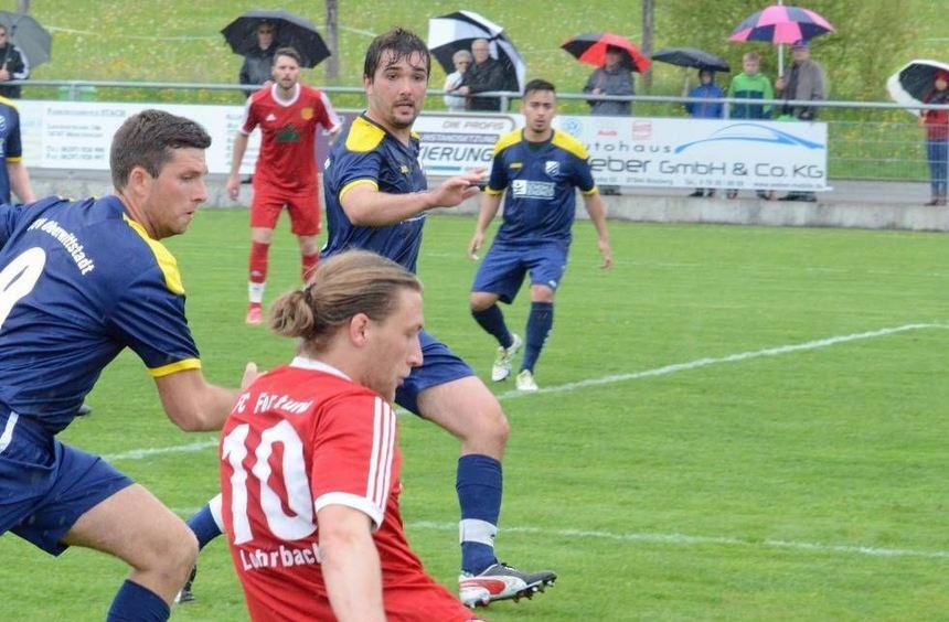 Der TSV Oberwittstadt hat am Wochenende die Möglichkeit, sechs Punkte zu ergattern. Der FC Lohrbach ...
