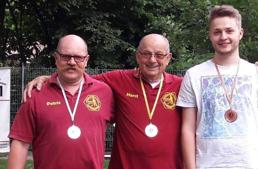 Die Besten: (von links) Patric Sprung (Zweiter), Sieger Horst Jockel und der Drittplatzierte ...