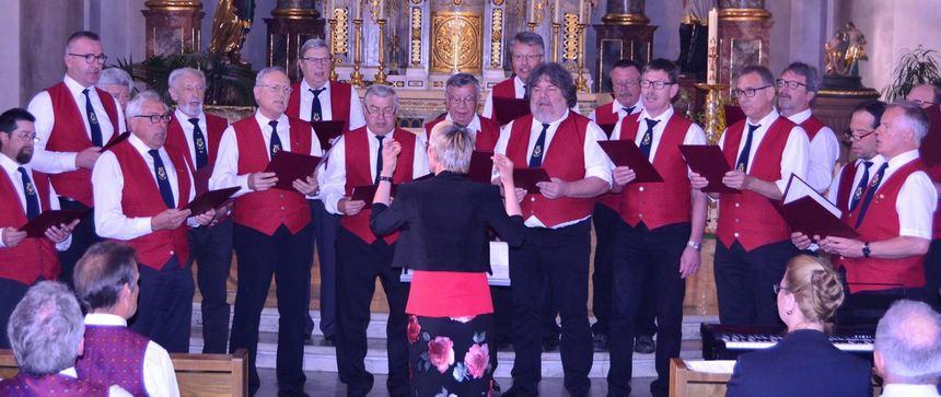 Das geistliche Chorkonzert in Hundheim wurde am Sonntag von sieben Mitgliedsvereinen der ...