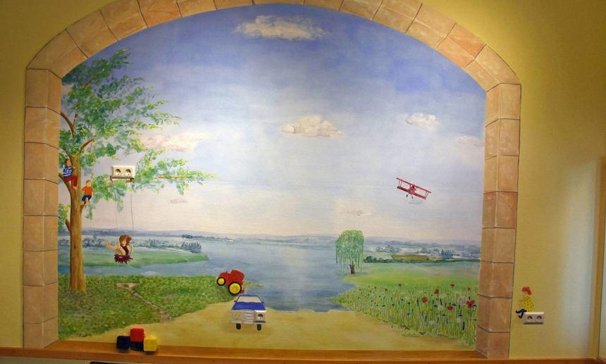 Landschaftsbild: Eine Einst Graue Wand Im Freudenbacher Kindergarten Wurde  Von Dorothee Habel In .