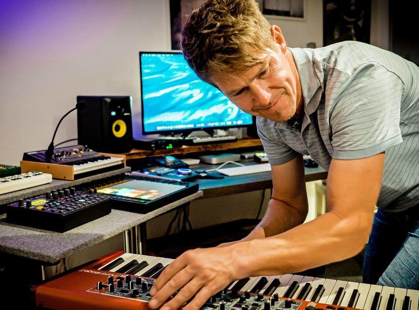 Andreas Schieser aus Gottersdorf komponiert seit mehr als 30 Jahren auf elektronische Weise Musik.