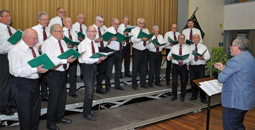 Einen gelungenen Liederabend veranstaltete der Männergesangverein Eintracht Krensheim in der ...
