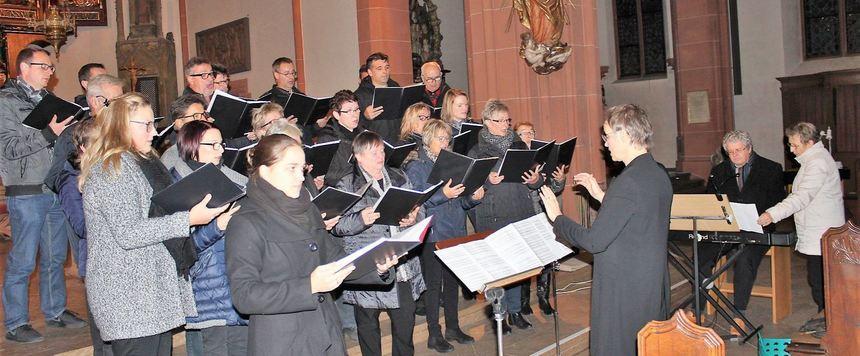 Der Epplinger Kirchenchor beim Konzert in der Stadtkirche St. Martin.