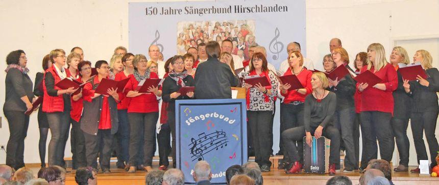 """Grund zum Feiern hatte der """"Sängerbund"""" Hirschlanden. Der Verein wurde vor 150 Jahren gegründet."""