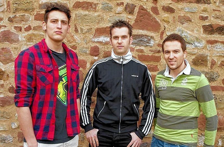 Mit vipmeup.net kann jeder ein Star werden: Unser Bild zeigt die drei Mosbacher Studenten und ...