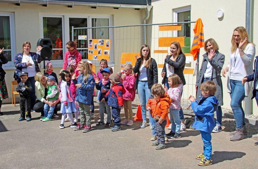 Kindergarten bettingen wertheim judge binary options